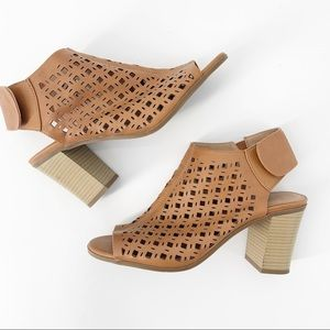 NY & Co Laser Cut Stacked Heel Open Toe Sandal | 9